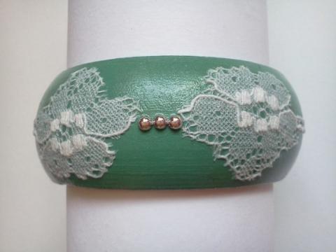 BBhorsehairjewelry  - Régi csipke újrahasznosításával készült kézzel festett fa karkötő, Meska
