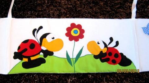 Meseslak -  Katicás-virágos rácsvédő