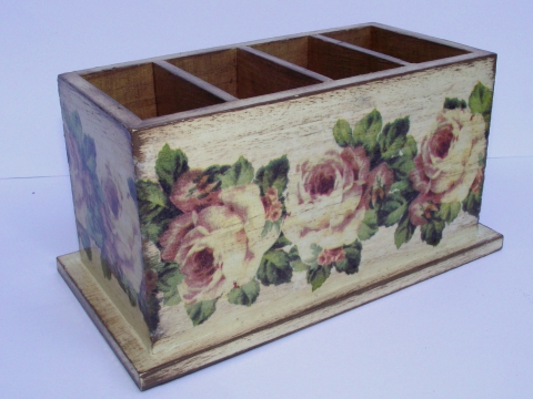 Potyike - Rózsás írószer tartó, Meska