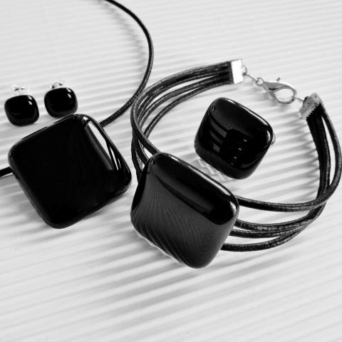 CSILLAGüveg -  Éjfekete üveg kocka medál, karkötő, gyűrű és fülbevaló ékszerszett , Meska