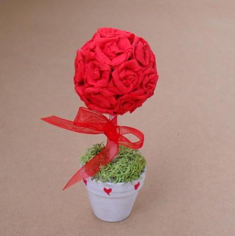 Nabradi - Valentin rózsafa, Meska