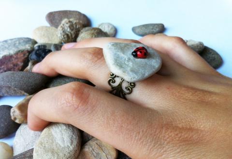 Fabrikabolt - Katicás kavics gyűrű, Meska