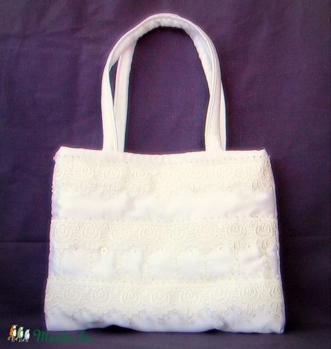 Menyasszonyi táska---gyöngyös-flitteres-csipkés, Táska, Menyasszonyi ruha, Anyukám újabb remekbeszabott, pompás táskasorozatát mutathatom be :) Hófehér és krémfehér ..., Meska