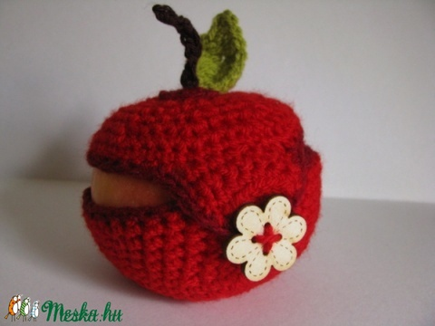 Almaruha - védelem a gyümölcsnek egy mindent rejtő táska kincsei között :), Mindenmás, Táska, Pénztárca, tok, tárca, Van az néha, hogy csak bedobunk egy almát a nagy sietség közben a táskánkba. Nos, magamból kiindulva..., Meska