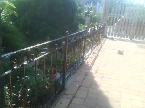 kovácsolt kis kerítés elem (kis termetű kutya elzárására), Mindenmás, Otthon, lakberendezés, Kerti dísz, tüzikovácsolással készített kis kerítés elem (60cm magas, 116cm széles) Kiválóan alkalmas ..., Meska
