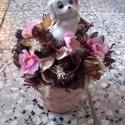 KUTYÁS, asztaldísz, dísz, Dekoráció, Otthon, lakberendezés, Dísz, Kaspó, virágtartó, váza, korsó, cserép, Virágkötés, Kedves kis ajándékot készítettem a közelgő Anyák napjára. A kaspót kibéleltem tűzőhabbal, majd bele..., Meska