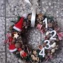 KARÁCSONYI kopogtató diótörős-KÉSZTERMÉK, Dekoráció, Otthon, lakberendezés, Karácsonyi, adventi apróságok, Ünnepi dekoráció, Virágkötés, Mindenmás, A klasszikus karácsony jellemzői a piros, a zöld és a fehér, egy kis kockás anyag, és némi játékoss..., Meska