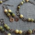 Zöld kövek bronzzal  3 in 1, drótékszer, kézzel készült, nyaklánc, karkötő, ásvány, gyöngy, ajándék, Ékszer, óra, Nyaklánc, Karkötő, Ékszerkészítés, Fémmegmunkálás, Zöld színvilágú variálható szettet készítettem világos lime jádekő,  sötét olíva jádekő és sárga tü..., Meska