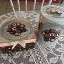 Csokis dobozok szettben, Dekoráció, Konyhafelszerelés, Dísz, Decoupage, szalvétatechnika, Festett tárgyak, Ezzel az ínycsiklandozó csokis doboz szettel bármilyen édesszájúnál sikered lehet!  Egy 16x16 fa do..., Meska