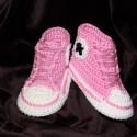 Horgolt Converse tornacipő, babacipő, Ruha, divat, cipő, Baba-mama-gyerek, Cipő, papucs, Horgolás, 100% pamutból horgolt kiscipő kb 4-6 hónapos babáknak.  Kitűnő ajándék lehet babalátogatóba., Meska