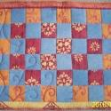indamintás takaró, Baba-mama-gyerek, Otthon, lakberendezés, Lakástextil, 70x90 centiméteres kis takaró, indiai ihletésű színekben, és mintával, amit világos kék farmerrel ko..., Meska
