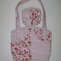 Rózsás-csíkos táska, Táska, Válltáska, oldaltáska, Két különböz? mintájú, de hasonló színvilágú anyagot egyesítettünk ebben a táskában, egy romantikus ..., Meska