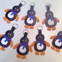 Bőr pingvin kulcstartó,táskadísz bőrkulcstartó, Mindenmás, Ékszer, óra, Táska, Kulcstartó, Varrás, Bőrművesség, Valódi,középvastag marhabőrből készültek ezek az aranyos kis pingvinek. Saját tervezés és kivitelez..., Meska