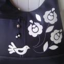 Madárkás kalocsai virágos textilbőr pakolós  táska , Táska, Magyar motívumokkal, Ruha, divat, cipő, Válltáska, oldaltáska, Varrás, Patchwork, foltvarrás, Örök divatú fekete-fehér. Fekete textilbőrből készítettem, fehér textilbőr  díszítéssel ezt a táská..., Meska