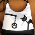 Fehér-fekete  kukucs cica  textilbőr pakolós oldaltáska , Táska, Ruha, divat, cipő, Mindenmás, Válltáska, oldaltáska, Varrás, Patchwork, foltvarrás, Fehér és fekete  textilbőrből készült pakolós táska.  Elején egy cipzáras zseb és egy kukucskáló ci..., Meska