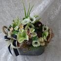 Anyák napjára. Kedvencem a farmerem..., Dekoráció, Otthon, lakberendezés, Dísz, Kaspó, virágtartó, váza, korsó, cserép, Virágkötés, A farmer szerelmeseinek készítettem ezt a farmerhatású edénybe kreált tavaszi-nyári kompozíciót, ke..., Meska