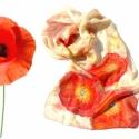 Piros virágok selyemsál, Ruha, divat, cipő, Női ruha, Selyemfestés, Piros virágokat festettem erre a hernyóselyem sálra.  Csodás, telt színek, szép csillogású, igazán ..., Meska