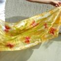 Pillangók selyemsál, Ruha, divat, cipő, Női ruha, Selyemfestés, Bordós-narancsos pillangók szállnak, zöld levelek között, sárga háttéren.   Ha más színekkel szeretn..., Meska