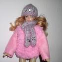 AKCIÓ!!!Barbi,barbie baba kötött pulóver sapka és sál!Rózsaszín,kék,neon., Játék, Ruha, divat, cipő, Baba, babaház, Kendő, sál, sapka, kesztyű, Varrás, Kötés, Pihe-puha zsenília fonalból, kézzel kötött pulóver,újja polár és színben hozzá illő sapka és sál,am..., Meska