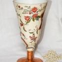 Elegáns, virágmintákkal dekorált üvegváza  !, Otthon, lakberendezés, Kaspó, virágtartó, váza, korsó, cserép, Decoupage, szalvétatechnika, Elegáns, virágmintákkal dekorált, talpas üvegváza !  Igényes, szép kidolgozással, talpazatán arany-..., Meska