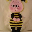 Bonnie Méhecske, Játék, Játékfigura, Horgolás, Üdvözlöm!  Termékeimet leginkább azoknak a Kedves vásárlóknak ajánlom, akik szeretik a különleges, ..., Meska