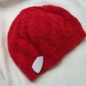 Piros kötött női sapka , Ruha, divat, cipő, Kendő, sál, sapka, kesztyű, Sapka, Kötés, MÁSHOL IS HÍRDETEM, KÉRLEK ÉRDEKLŐDJ!  Piros középvastag akrilszálból kötöttem, kellemes, meleg vis..., Meska