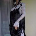Rózsás organza tunika - extravagáns romantika, Ruha, divat, cipő, Női ruha, Estélyi ruha, Ruha, Varrás, Gyönyörű bársonyos rózsákkal nyomott organzából készült extravagáns tunika. A végződések  tépett sz..., Meska