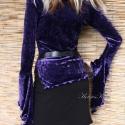 Gotikus, elasztikus bársonyfelső, Ruha, divat, cipő, Női ruha, Blúz, Felsőrész, póló, Varrás, Stílusos, ibolya-lila elasztikus selyembársonyból készült gótikus ujjú testre szabott felső fodrosk..., Meska