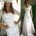 """DOMINIKA - esküvői ruha, Esküvő, Ruha, divat, cipő, Menyasszonyi ruha, Esküvői ruha, Varrás, Klasszikus vonalvezetésű menyasszonyi alapruha vastag, hófehér, rózsamintás brokátselyemből.   A """"m..., Meska"""