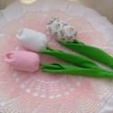 Rózsaszín - fehér textil  tulipánok, Baba-mama-gyerek, Dekoráció, Mindenmás, Otthon, lakberendezés, Varrás, Rózsaszín és fehér  tulipán csokrom 3 szál virágból áll, más színben is kérhető.  Köszönöm, hogy be..., Meska