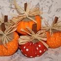 Narancsos őszi dekorációs tököcskék, Baba-mama-gyerek, Dekoráció, Mindenmás, Otthon, lakberendezés, Varrás, Őszi tököcskéim narancs színekben készültek, száruk fahéj rúd. Igazi vidám, őszi hangulatot áraszta..., Meska