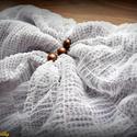 Habos, hófehér-barna, könnyű nyári csősál (húzott tüll, pamut), Ruha, divat, cipő, Kendő, sál, sapka, kesztyű, Sál, Női ruha, Varrás, Dupla réteg hófehér húzott tüllből, és a két tüllréteg közé varrt aprómintás pamutból készült csősá..., Meska
