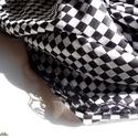 PEPITA kendő  (sálkendő dupla réteg anyagból), Ruha, divat, cipő, Kendő, sál, sapka, kesztyű, Kendő, Női ruha, Varrás, Pepita mintás sálkendő nagyon finom szövésű pamutból (háromszög alakú). Két rövidebb oldalát fekete..., Meska