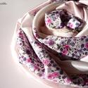 Kis virágos. (Romantikus, csipkés selyem csősál), Ruha, divat, cipő, Kendő, sál, sapka, kesztyű, Sál, Női ruha, Varrás, Hófehér és babarózsaszín alapon fehér szívecskés selyemből és apró pink virágos pamutpuplinból kész..., Meska
