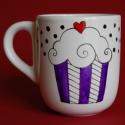 Muffinos bögre , Konyhafelszerelés, Bögre, csésze, Festett tárgyak, Egyedi festésű muffinos bögre a hideg időkre.  2 dl tea, forrócsoki fér bele. :), Meska