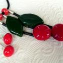 Cseresznye - üvegékszer nyaklánc és fülbevaló-, Ékszer, óra, Nyaklánc, Fülbevaló, Ékszerszett, Üvegművészet, Ékszerkészítés, Fusing technikával készítettem ezt a szettet sötétzöld és ragyogó piros üveg felhasználásával. A me..., Meska