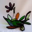 Őszirózsa   tiffany gyertyatartó, mécsestartó, asztaldísz, Otthon, lakberendezés, Dekoráció, Gyertya, mécses, gyertyatartó, Dísz, Üvegművészet, Különböző zöld és borostyán színű üvegekből vágtam és csiszoltam levél formákat és hozzá a virágot l..., Meska