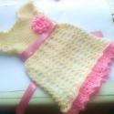 Krém pink baba kislány ruhácska és sapka, Ruha, divat, cipő, Gyerekruha, Baba (0-1év), Kisgyerek (1-4 év), Horgolás, Krémszínű babaruha és sapka világosrózsaszín virágdíszítéssel, szaténszalaggal.rendelésre készítem,..., Meska