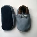 Babacipő, Baba-mama-gyerek, Ruha, divat, cipő, Baba-mama kellék, Cipő, papucs, Bőrművesség, Pihe-puha bőr babacipő. Unisex. A tiszta bőr cipő, egyaránt használható kocsicipőként illetve belté..., Meska
