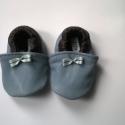 Babacipő, Baba-mama-gyerek, Ruha, divat, cipő, Cipő, papucs, Gyerekruha, Bőrművesség, Pihe-puha bőr babacipő. Unisex. Kifejezetten széles, pufi lábfejre való. A tiszta bőr cipő, egyarán..., Meska