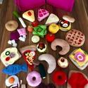 60db-os óriási játék étel csomag, Játék, Készségfejlesztő játék, Varrás, A csomag tartalma:  3db tortaszelet 1db hal 1db croissant 1db tükörtojás 1db bacon szalonna 1db sül..., Meska