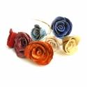 Kerámia rózsa csokor, Dekoráció, Esküvő, Dísz, Kerámia, Festett tárgyak, Kézzel készített kerámia rózsa csokor sárgaréz száron. A rózsafej átmérője kb 5cm. A csokor 7 db ró..., Meska