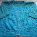 Kék pulcsi, Ruha, divat, cipő, Női ruha, Felsőrész, póló, Kötés, Többféle kék fonalból kötött nagy méretű pulcsi. A nagy része egy Pierre Cardin fonalból van.Többfé..., Meska