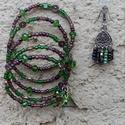 Egy kis India szett, Ékszer, óra, Ékszerszett, Karkötő, Fülbevaló, Ékszerkészítés, Gyöngyfűzés, Bronz színű fülbevaló alapra, zöld, bronzos-rózsaszínes árnyalatú üveg és fém gyöngyöket raktam sze..., Meska