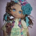 Molly, Dekoráció, Dísz, Baba-és bábkészítés, Varrás, Egyedi tervezésű, gondosan összeválogatott alapanyagokból készült textilbaba. Arcát kézzel festette..., Meska