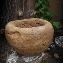 Gömb virágtartó, Otthon, lakberendezés, Dekoráció, Kaspó, virágtartó, váza, korsó, cserép, Kerti dísz, Kőfaragás, Gömb alakú virágtartó rusztikus kőből, kinti és benti használatra egyaránt., Meska