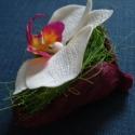 phalaenosis (lepke) orchidea virág termésben - fehér, Dekoráció, Otthon, lakberendezés, Dísz, Kaspó, virágtartó, váza, korsó, cserép, Kerámia, Mindenmás, phalaenopsis (lepke) orchidea virág agyagból, fehér színben, magenta színű badam termésben  orchide..., Meska