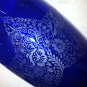 """Király(i) kék magyaros motívummal díszített váza, Otthon, lakberendezés, Képzőművészet , Kaspó, virágtartó, váza, korsó, cserép, Illusztráció, Üvegművészet, A vázát a hagyományos minták iránti szeretetem ihlette, de egy kis """"modern köntösbe bújtattam"""". Így..., Meska"""