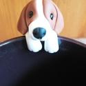 Beagle teafiltertartó, Konyhafelszerelés, Gyurma, Beagle kutyus teafiltertartó.  Felkapaszkodik a bögrédre és segít abban,hogy ne csússzon bele a for..., Meska