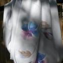 Virág mintás körsál, Ruha, divat, cipő, Kendő, sál, sapka, kesztyű, Sál, Női ruha, Varrás, Rendkívül kellemes tapintású pamut jerseyből készült ez a elegáns, halvány szürke alapon virágmintá..., Meska